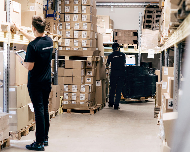 media/image/210614-CS-LP-Trading-Body-Banner-zweispaltig-Desktop-1000x800px-Lager03.jpg