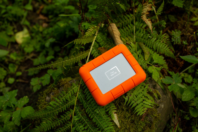 media/image/LaCie-Rugged-BOSS-SSD-Outdoor-Hi-Res.jpg